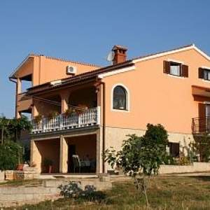 Villa Alice (Croatian)